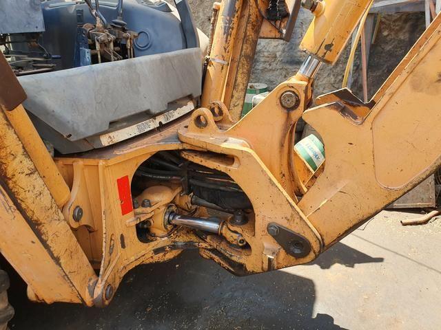 PA Carregadeira Case 580 M 4x2 Ano 2010 (100% de procedência boa) - Foto 3