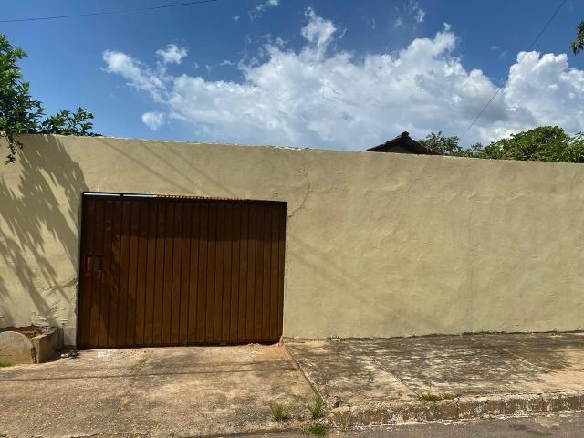 Casa bem localizada na 307 norte, próximo à feira 307 norte - Foto 2