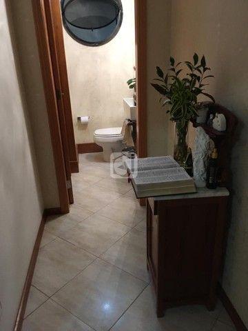 Apartamento de 3 dormitórios, 5 banheiros, 2 vagas de garagem, localizado no Bairro Nossa  - Foto 12