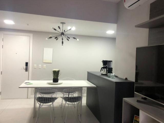 Apartamento com 1 dormitório à venda, 44 m² por r$ 350.000 - caminho das árvores - salvado