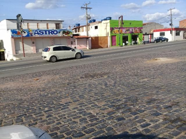 Excelente ponto comercial frente a pousada de ônibus da empresa São Luiz na Br 324 - Foto 2