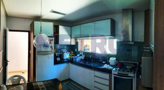 Casa com: - 3 quartos, duas suítes com closet; - Foto 3