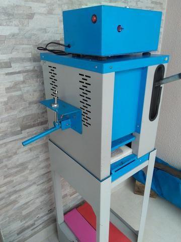 Máquina fazer Chinelos