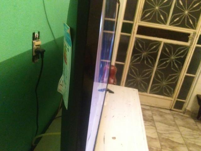 Tv smart com wi fi compreta pouco usada na caixa 43 polegadas - Foto 2