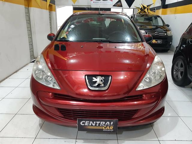 Peugeot / 207 XR Hatch 1.4 - 2010