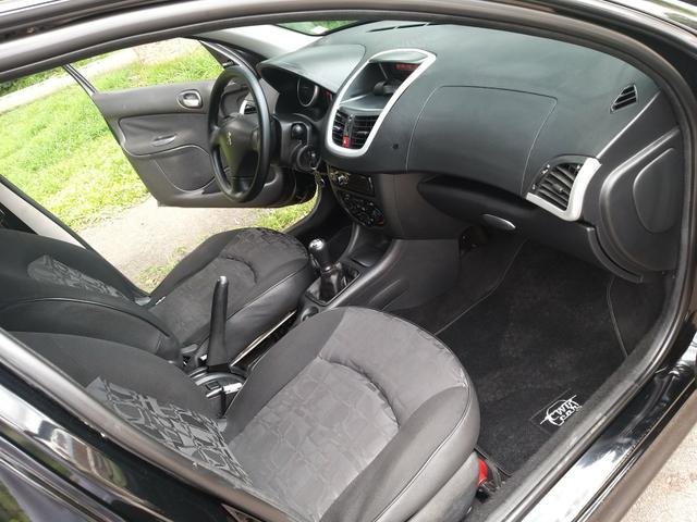Peugeot 207 - Foto 8