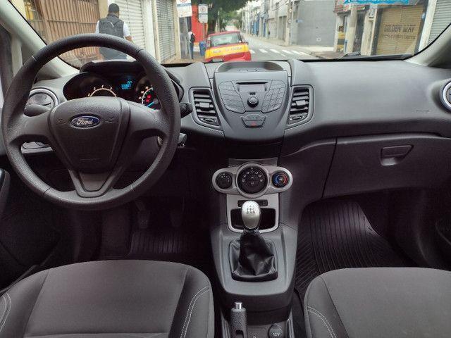 Ford Fiesta SE 1.6 Hatch 2017 Branco Único Dono Completo - Foto 9