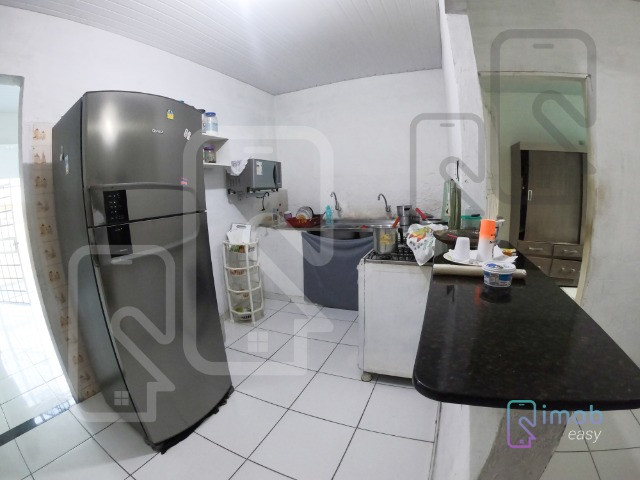 Casa no Conj. Ajuricaba, 384m², 3 quartos sendo 2 suítes, semi-mobiliado - Foto 5
