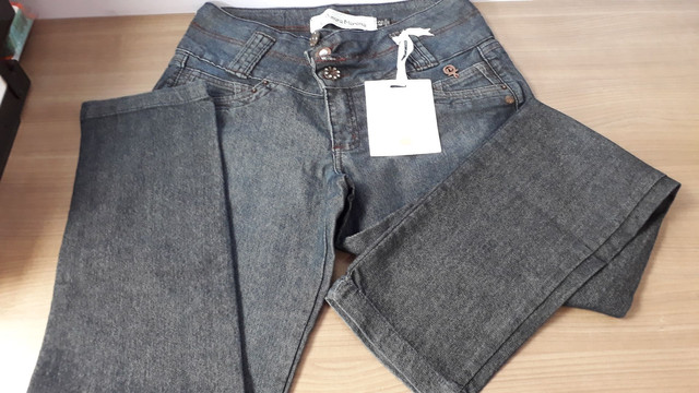 Calça jeans femenina tam 42, marca Amora morena. - Foto 2