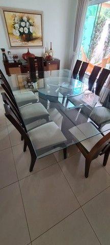 Vende-se mesa tampo de vidro com 8 cadeiras
