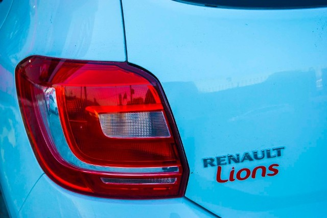 Renault Sandero Expression 1.0 - Foto 2