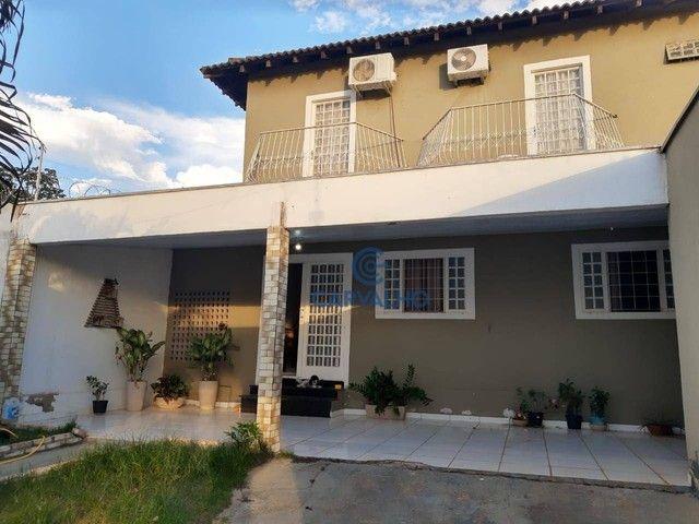 Sobrado com 3 dormitórios à venda, 226 m² por R$ 480.000,00 - Parque Residencial Tropical