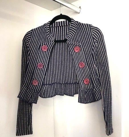 Lote de blusinhas básicas e casaquinho