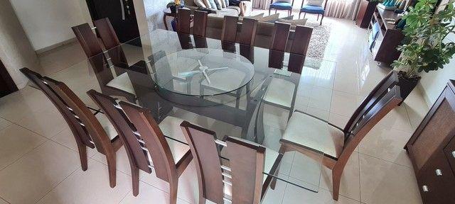 Vende-se mesa tampo de vidro com 8 cadeiras - Foto 3