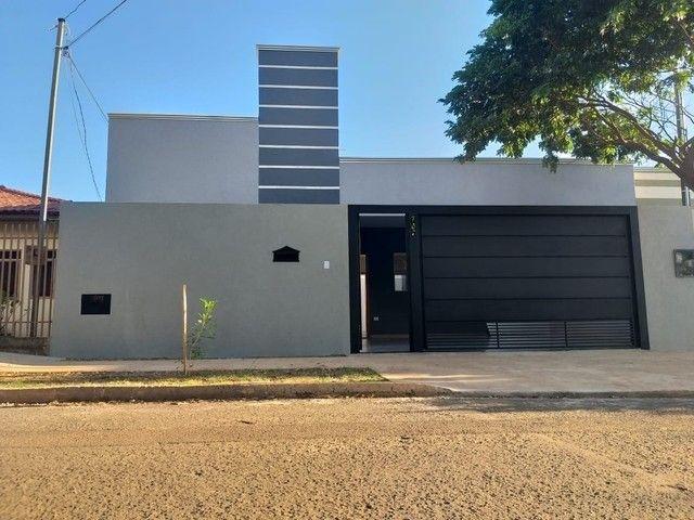 Linda Casa Jardim Panamá com 3 Quartos - Foto 2