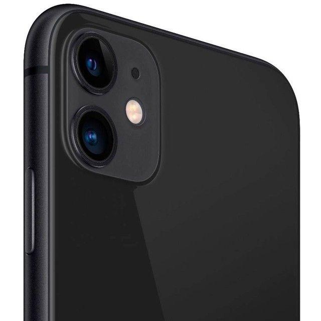 Iphone 11 64GB - Por R$3699 à vista ou em até 12x de R$332,67 - Lacrado e com Nota Fiscal - Foto 3