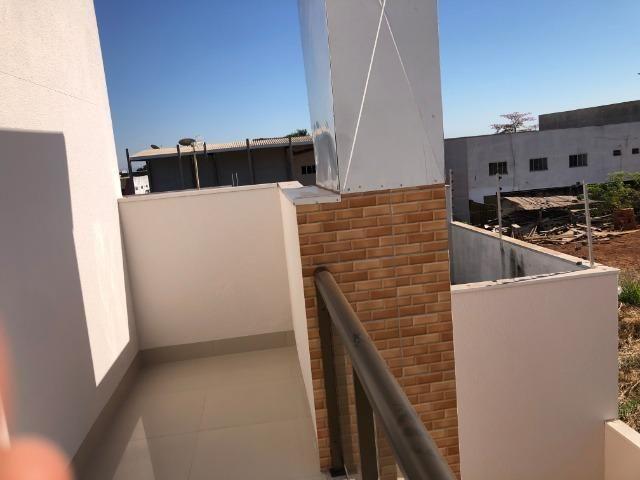 Sobrado 200 m2, acabamento Top, 03 Suítes, em Tangará, aceito carro, terrenos, casa menor - Foto 13