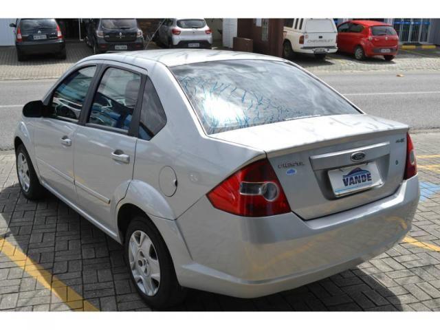 Ford Fiesta Sedan 1.0 Flex - Foto 4