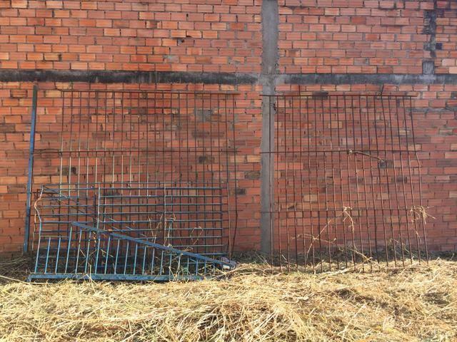 Vendo Grades de ferro 8m x 2,30cm - Foto 2