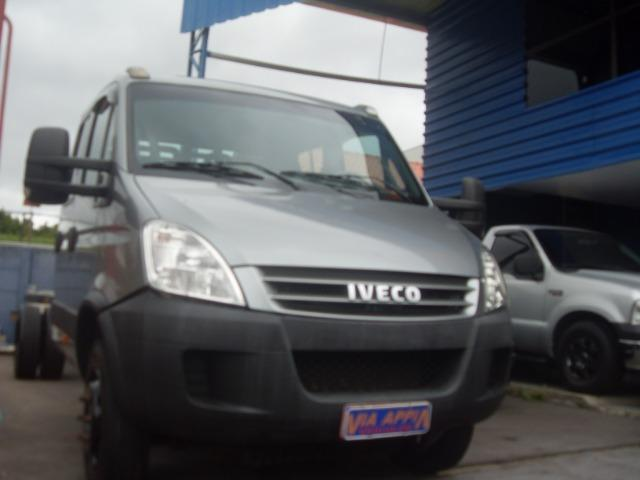 Iveco- Daily 70C16 CD 7 lugares