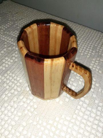 Caneca chopp em madeira