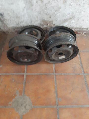 Rodas de ferro aro 13 celta semi usadas - Foto 4