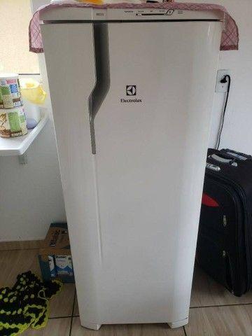Vendo geladeira 550