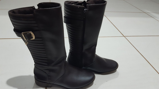 Lote de sapatos 200$ tamanho de 32 a 34