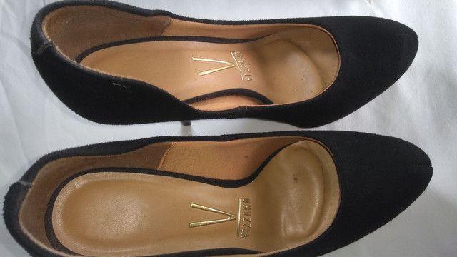 Três sapato por um só preco $ 100,00 são Gonçalo - Foto 3