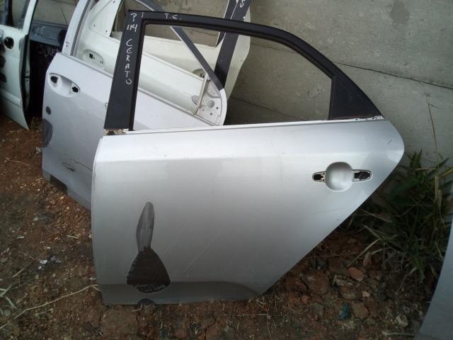 Porta traseira esquerda Kia Cerato