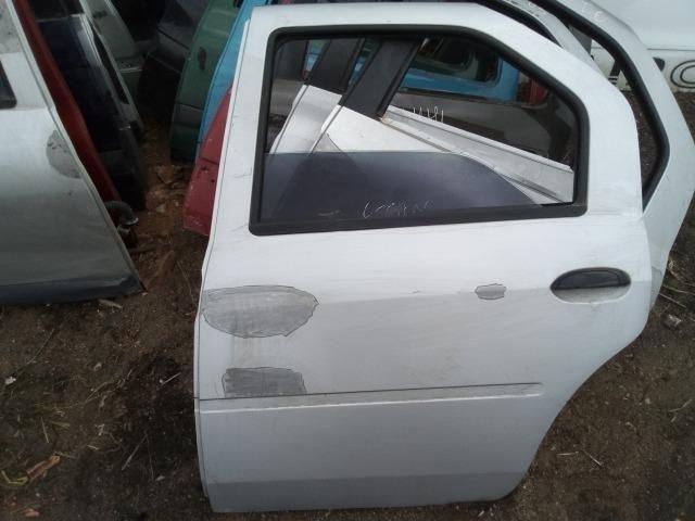 Porta traseira esquerda Renault Logan