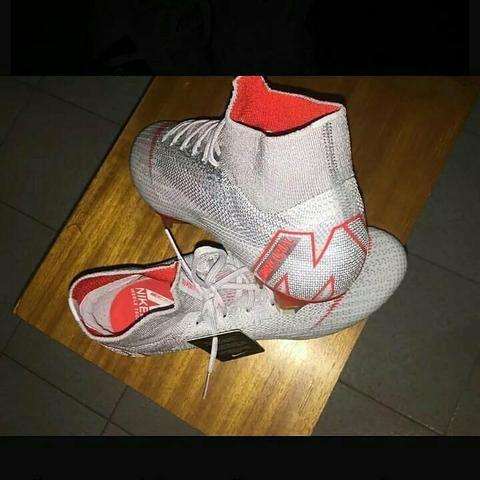 99b0fb3eda967 Chuteira Nike Mercurial 1° Linha - Esportes e ginástica - Barra da ...