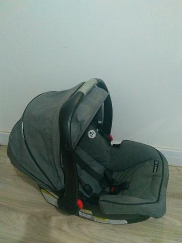 Carrinho + base+ bebê conforto Gracco + porta objetos