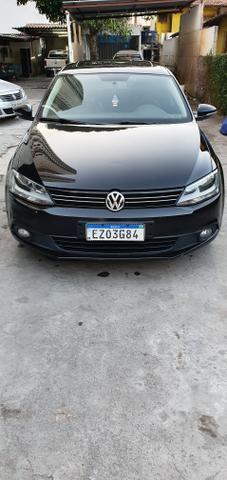VW Jetta 2013/13 - com teto solar - impecável! - Foto 2