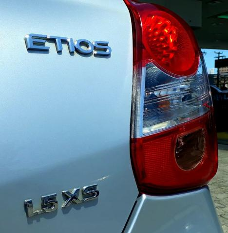 Etios xs 1.5 completo de fabrica - Foto 6
