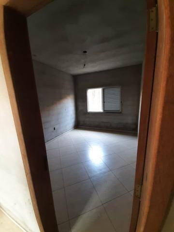 Casa e terreno (lote) com 5 quartos, 3 suítes, ótima localização, aquecimento solar - Foto 3