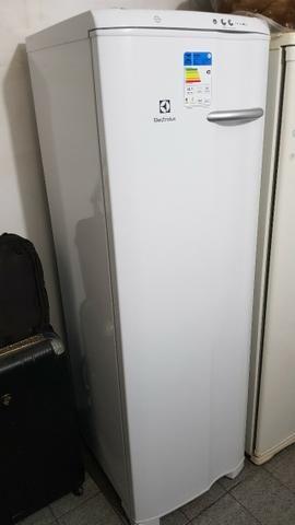 Freezer Electrolux FE26, novo! Com nota e garantia estendida de 2 anos! - Foto 3