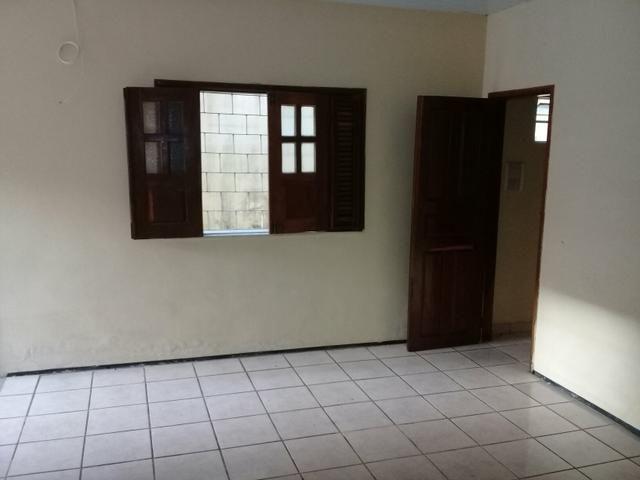 Alugo Excelente Casa no Bequimão com 3 Quartos - Foto 14