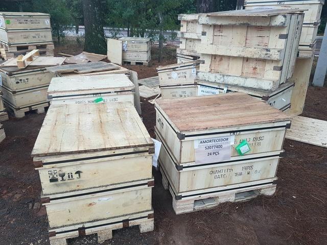 Caixas / Caixotes de Madeira Semi-novas / Usadas - Foto 2