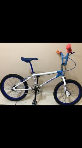 Bicicleta Caloi Cross extra light relíquia antiga 1983 aro20