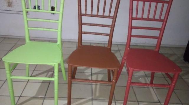 Cadeira Tifanny nova