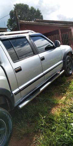 Vendo s10 tornado 4x2 2.8 diesel - Foto 2