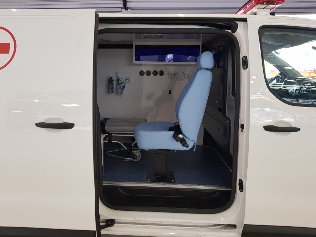 Ambulância Peugeot Expert - Foto 6