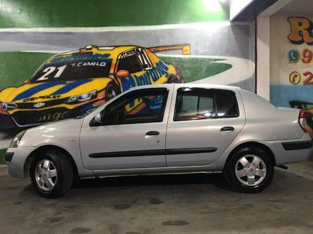 Clio Sedan Privilege 1.0 2004 - Foto 2
