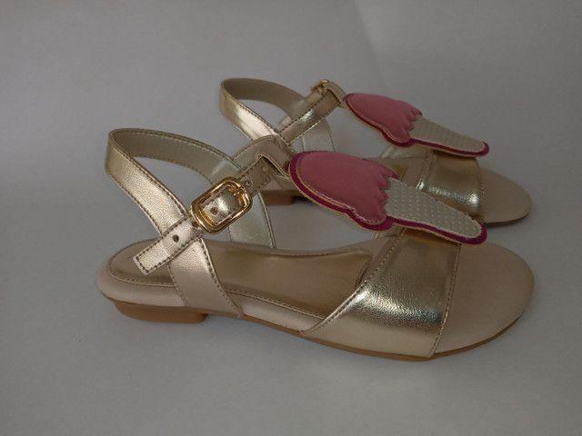 Kit 2 pares de sandálias infantis menina - Foto 6