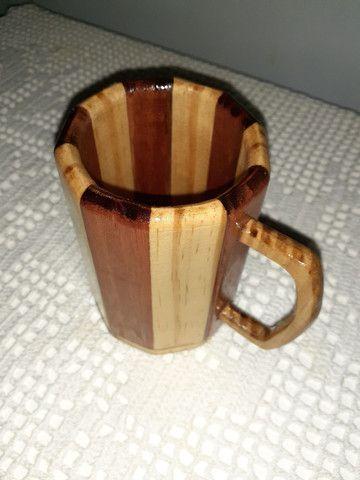Caneca chopp em madeira - Foto 2
