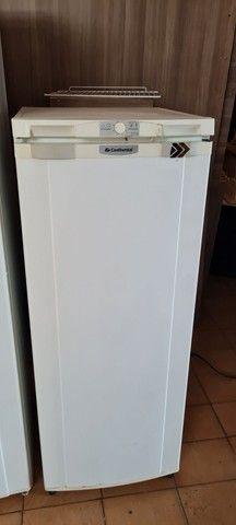 Geladeira gelando perfeitamente - ENTREGO  - Foto 2