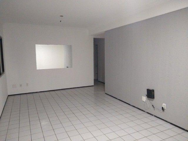 Apartamento 3 quartos 2 suítes com vaga coberta no Cocó - Foto 6