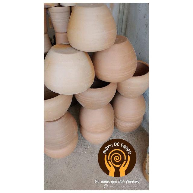 Vasos de barro p decorar seu ambiente.