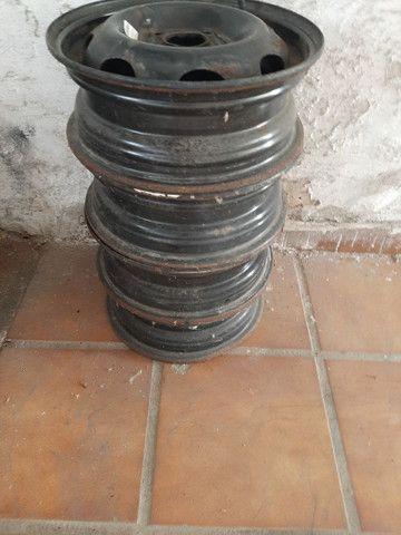 Rodas de ferro aro 13 celta semi usadas - Foto 3